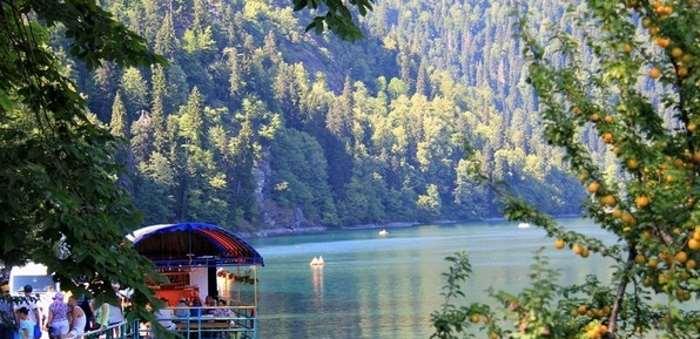 На отдых в Абхазию