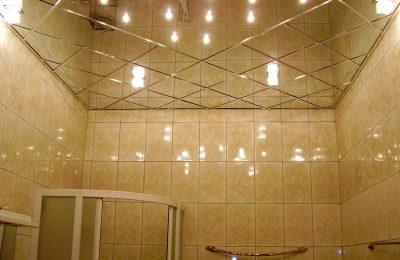 Отделка потолков в ванной