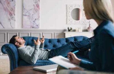 Кого выбирать психолога, психиатра или психотерапевта